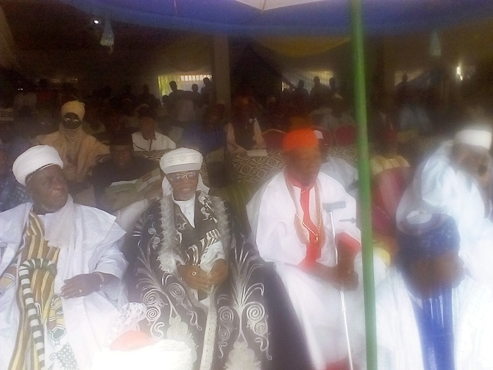 Center: Otaru of Auchi, Alhaji Haliru Momoh, Ikelebe III flanked by HRH Ikhumen, Onojie of Ewatto, (R) and Other Royal Fathers.