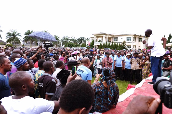 Pastor Osagie Ize-Iyamu addressing party faithful during PDP solidarity rally to mark 2018 Democracy Day on Tuesday, May 29, 2018