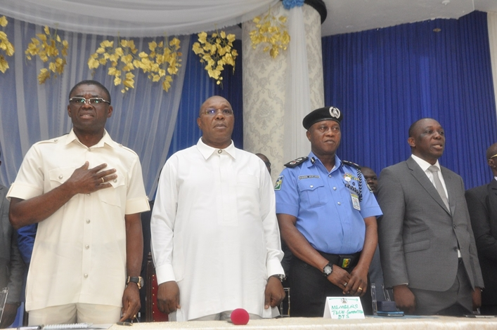 L-R: Edo State Deputy Governor, Rt. Hon Philip Shaibu; Delta State Deputy Governor, Barr. Kingsley Otuaro; at a joint inter-state boundary meeting between Edo and Delta States at the Government House, in Benin City, Edo State.