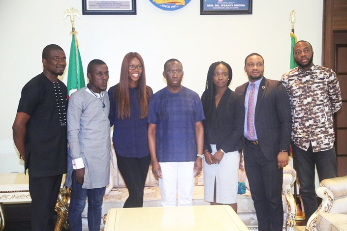 Delta State Governor, Senator Ifeanyi Okowa (middle); Orode Uduaghan (3rd right); Marilyn Okowa-Daramola (3rd left); Charles Odii (2nd right); Zion Osheobugie (2nd left); Olisa Azinge (right) and Olumuyiwa Segun Manuel, during a courtesy call on Governor Okowa by a Team of Young Entrepreneurs from Delta State, in Government House Asaba.