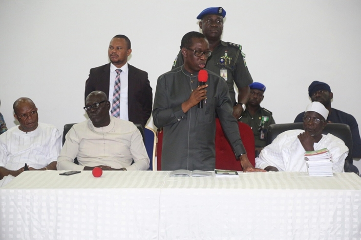 Delta State Governor, Senator Ifeanyi Okowa (2nd right); former Governor of Sokoto State, Alhaji Attahiru Bafarawa (right) and Delta State PDP Chairman, Barr. Kingsley Esiso (2nd left) and Rt. Hon. Sam Obi, during a consultation stakeholder meeting
