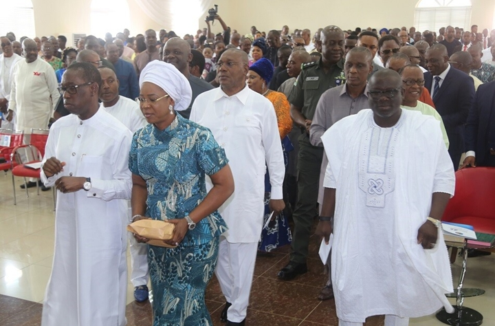 Delta State Governor, Senator Ifeanyi Okowa (left); his wife, Dame Edith (2nd left); Deputy Governor of Delta State, Barr. Kingsley Otuaro (2nd right); Speaker, Delta State House of Assembly, Rt. Hon. Sheriff Oborevwori (right) and Other's, during the Interdenominational thanksgiving Service, to mark the 27th Anniversary of Delta State, in Government House Chapel Asaba
