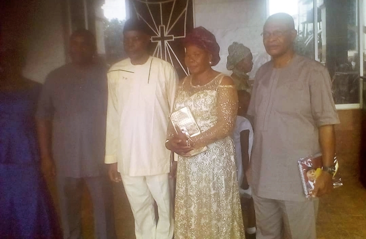 Peter Odia Iwelomen and Wife (Middle) flanked by Friends