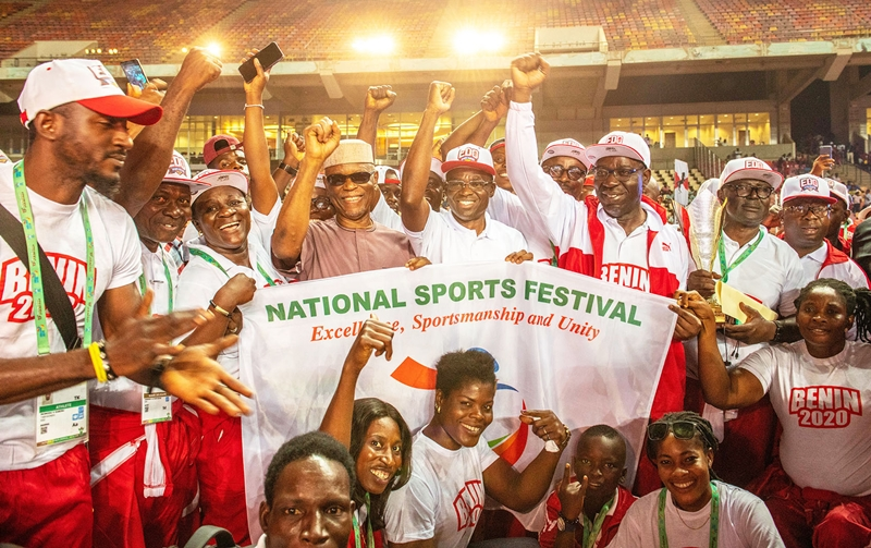 Standing, front row: Edo State Governor, Mr Godwin Obaseki (3rd right); his deputy, Rt. Hon. Philip Shaibu (4th right); Former National Chairman of All Progressives Congress (APC), Chief John Odigie-Oyegun (4th left), with athletes, at the closing ceremony of the 2018 National Sports Festival in Abuja, on Sunday, December 16, 2018.