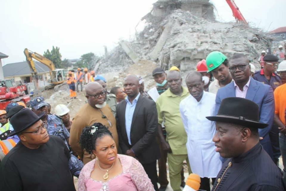 Fmr. President Goodluck Jonathan speaking onsite of Collapsed Building at Woji, Rivers State