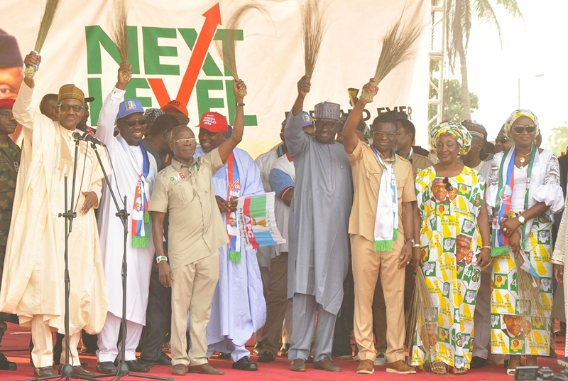 L-R: President Muhammadu Buhari; Edo State Governor, Mr. Godwin Obaseki; National Chairman, All Progressives Congress (APC), Comrade Adams Oshiomhole; Lagos State Governor, Akinwunmi Ambode; Edo State Deputy Governor, Rt. Hon. Philip Shaibu; wife of Edo State Governor, Mrs. Betsy Obaseki; and wife of Deputy Governor, Mrs. Maryann Shaibu, during the All Progressives Congress (APC) Presidential Campaign in Benin City, Edo State, on Thursday, January 17, 2019.