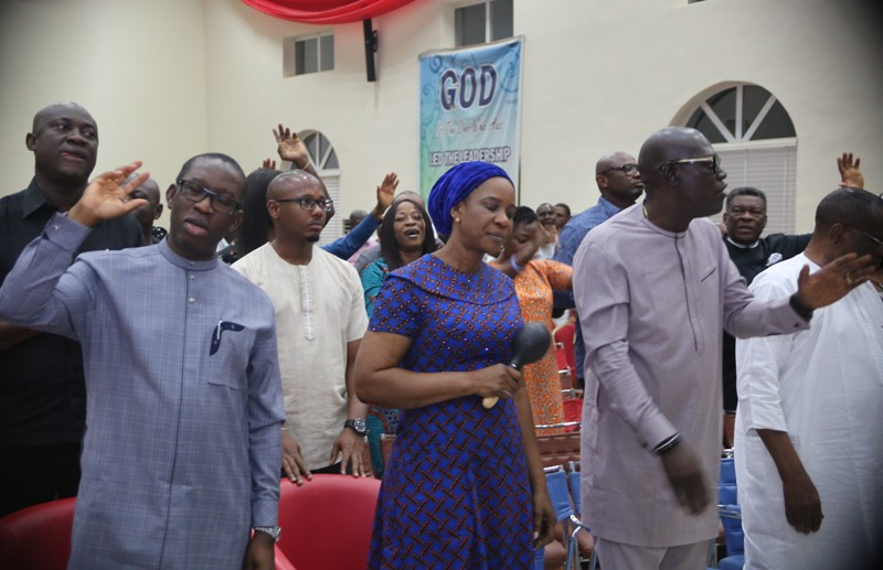 From Left: Delta State Governor, Senator Ifeanyi Okowa, his wife, Dame Edith, and the State PDP Chairman, Barr. Kingsley Esiso, during the Pre-Dedication Service of the State People's Democratic Party Campaigns for 2019 Elections in Government House, Asaba.