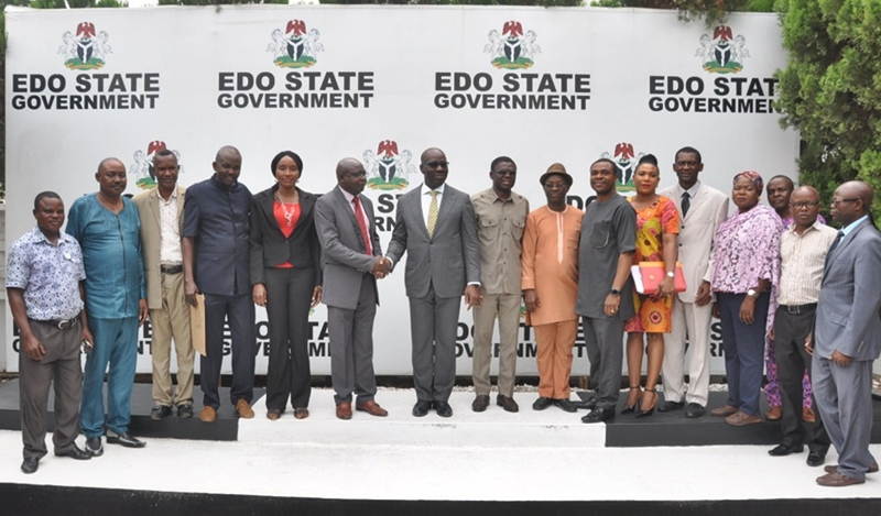 Edo State Governor, Mr. Godwin Obaseki (middle) and the newly elected executive members of the Nigeria Union of Journalists (NUJ), Edo State Council, during courtesy visit to the governor, at Government House, in Benin City, on Wednesday, January 23, 2019.